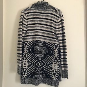 Thick and Comfortable Western Sweater with pockets